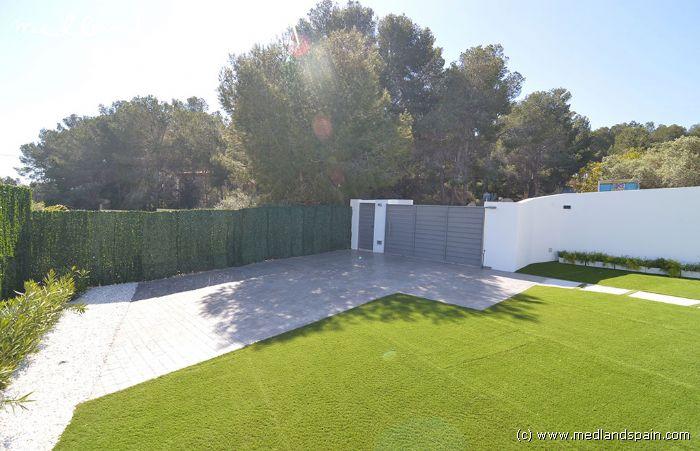 cl en mains villa avec grand terrain et piscine priv e benissa. Black Bedroom Furniture Sets. Home Design Ideas