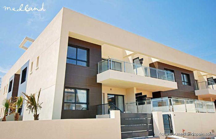Apartamento planta baja con jard n a 300 metros de la playa - Casas para alquilar en las mil palmeras ...