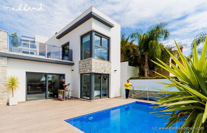Villa\'s met 4 slaapkamers en kelder in Finestrat, Benidorm