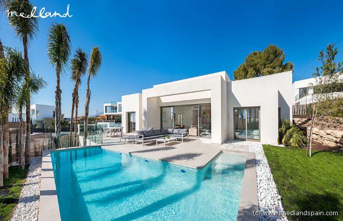 Exklusive Luxus Villa Mit 3 Schlafzimmer, Souterrain Und Dachterrasse In  Finestrat