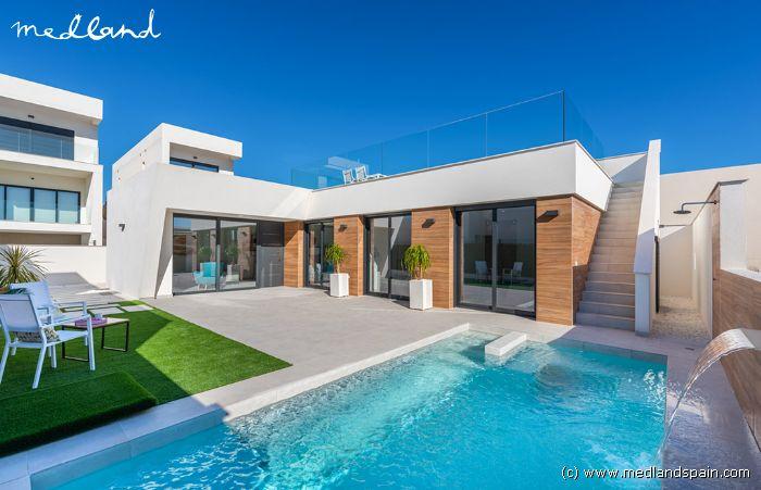 Zwembad Op Dakterras : Moderne villa met eigen zwembad en dakterras in benijófar