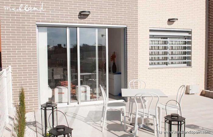 appartement rez de chauss e avec jardin priv torrevieja. Black Bedroom Furniture Sets. Home Design Ideas