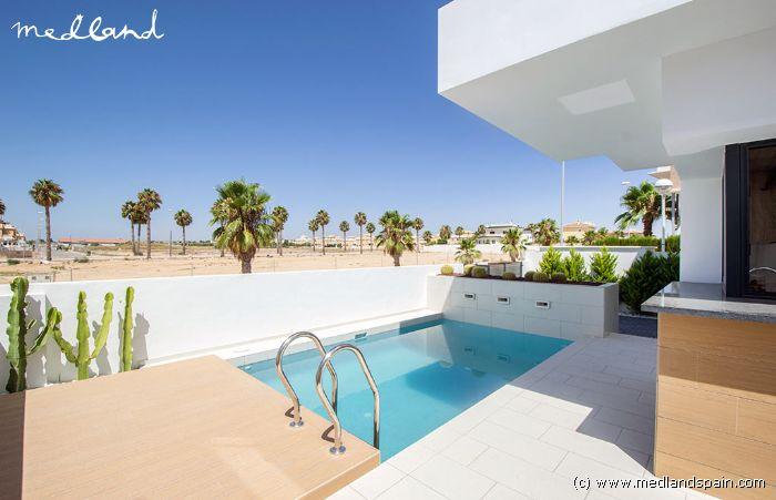 Villa moderne avec piscine priv e ciudad quesada for Piscine 3x5