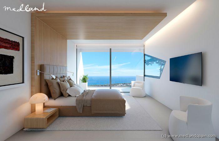 Luxe vrijstaande 4 slaapkamer villa met kelder en privé zwembad in ...