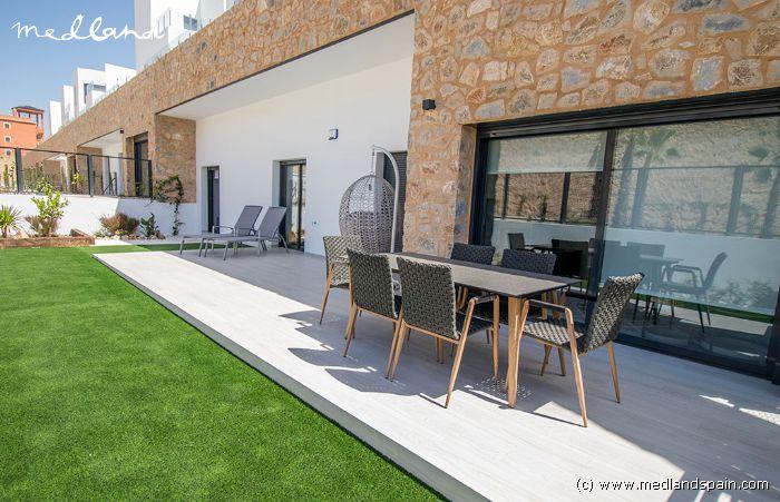 Erdgeschosswohnung mit privatem Garten in Villamartín