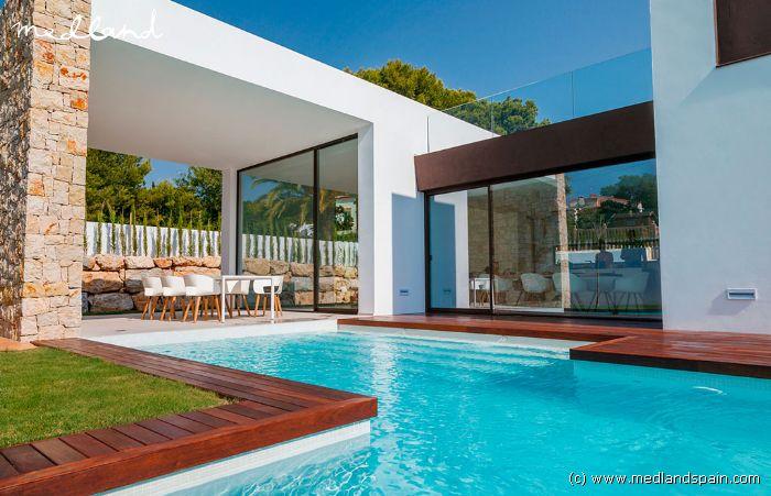 Villas modernes de luxe avec piscine privée près de la mer à Moraira