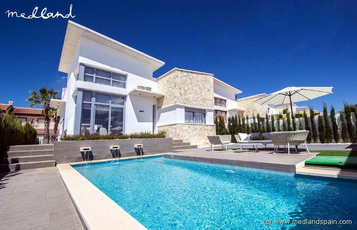 bereit zum bewohnen und komplett ausgestattet design villa mit privatem pool in do a pepa. Black Bedroom Furniture Sets. Home Design Ideas