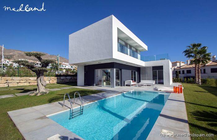Moderne Villen Mit Privatem Pool In Der Sierra Cortina Benidorm