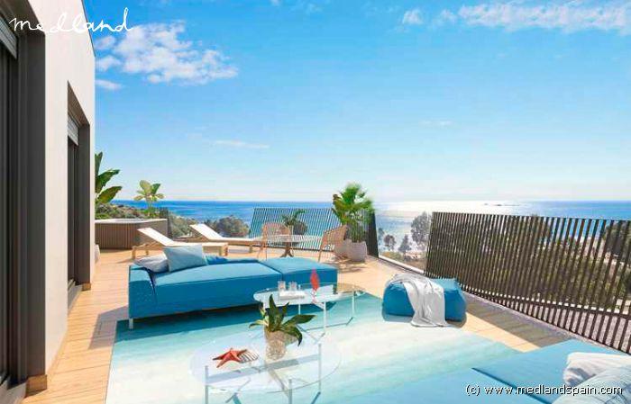 schakelwoning met 2 slaapkamers eerstelijns aan het strand in villajoyosa
